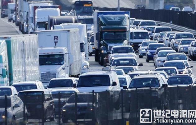 美国交通部将推汽车间通信技术 减少交通事故