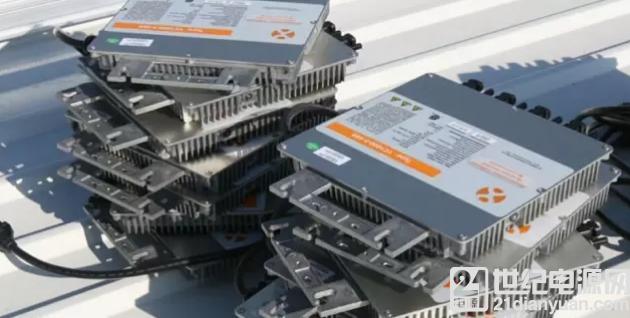 微型逆变器:25年使用寿命+组件级运维为光伏电站保驾护航