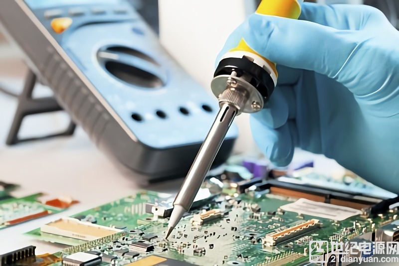 航天 PCB 焊接女悍将 百万焊点标准精致