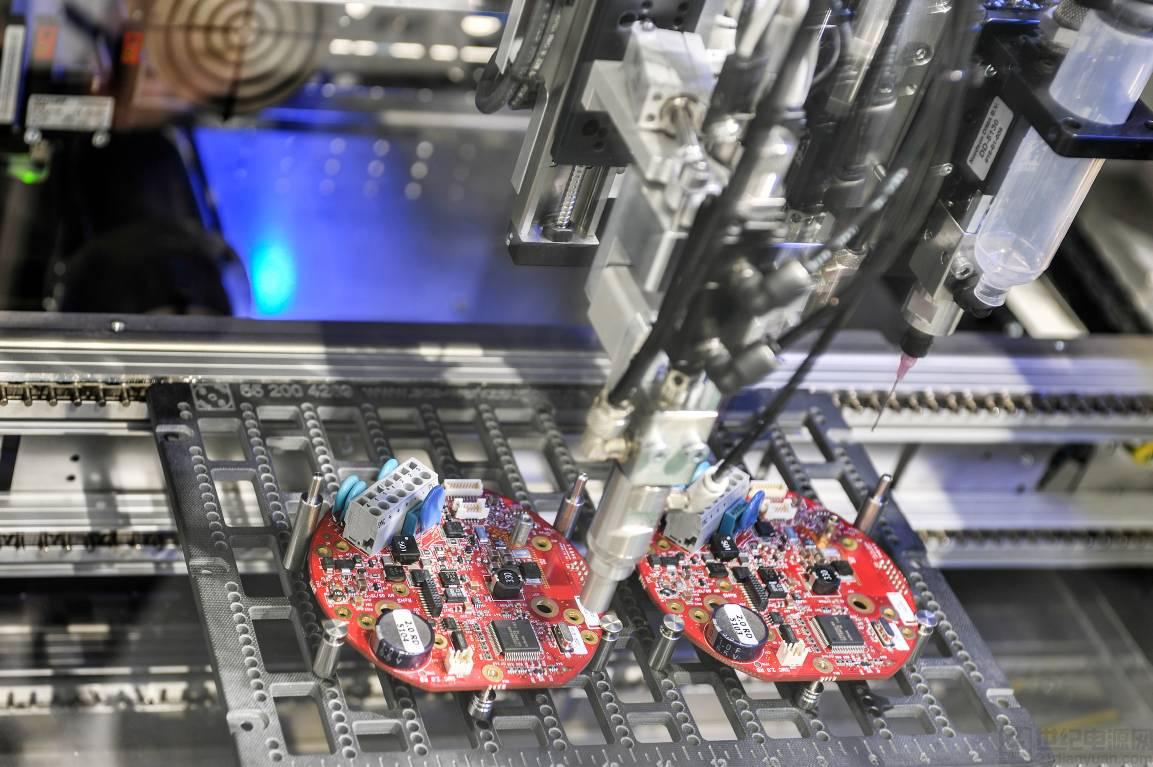 点胶系统:构筑电子制造的智能化基石