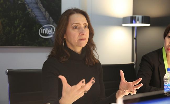 对话英特尔高级副总裁 Sandra Rivera:大量 5G终端在2020年上市