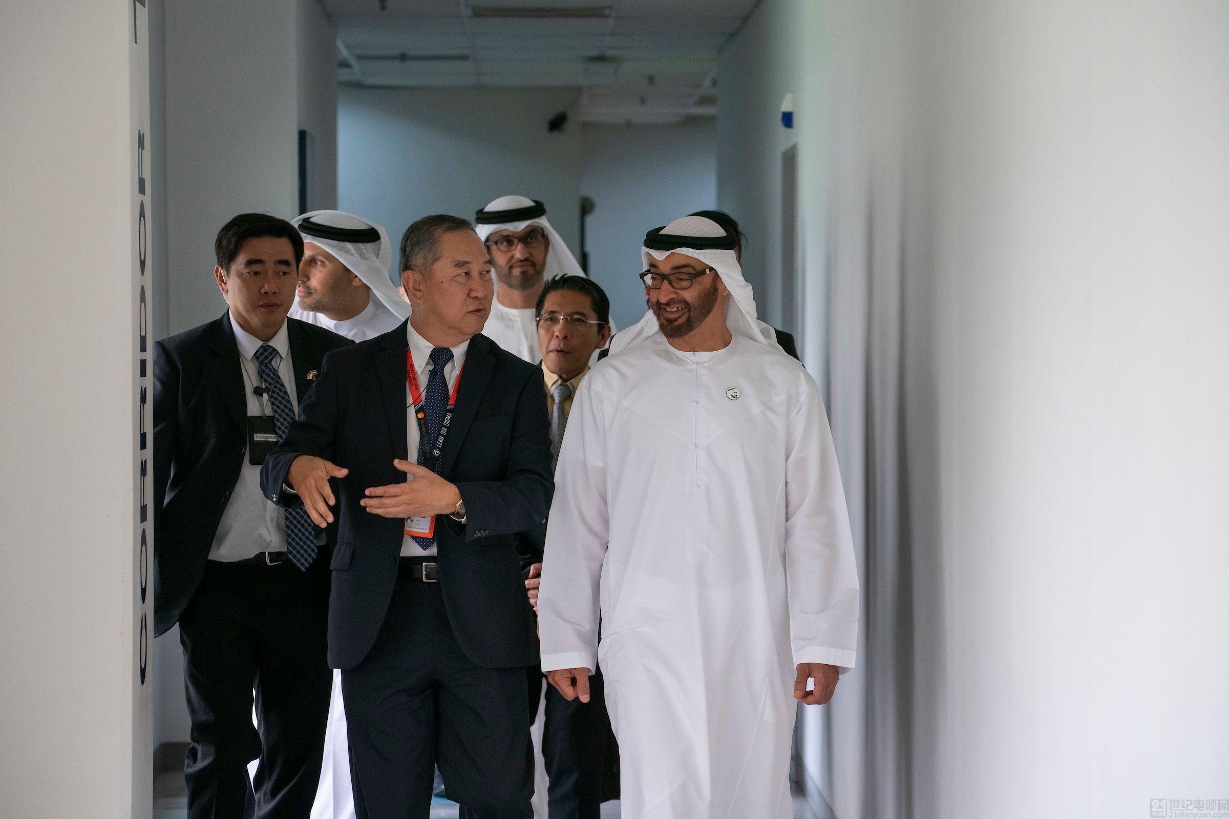 阿布扎比王储穆罕默德访问格芯新加坡厂
