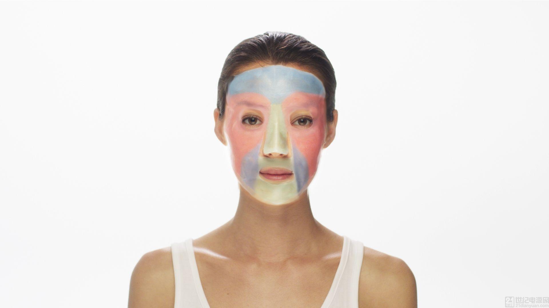 露得清首款定制化 3D 打印面膜 MaskiD(TM) 亮相亚洲消费电子展