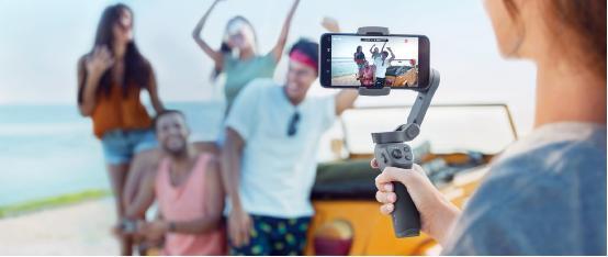 DJI 大疆創新發布靈眸手機云臺 3, 輕巧折疊創造精彩影像