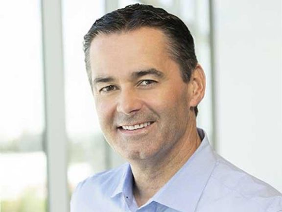 原英特尔 FPGA 负责人 Dan McNamara 加入 AMD