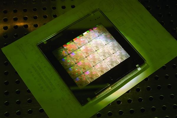 42亿元!中芯国际采购半导体装备:加速 14nm 量产