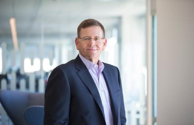 西部数据公司宣布任命 DAVID GOECKELER 为首席执行官
