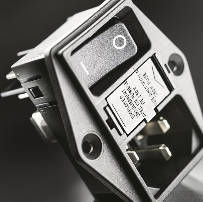 电源输入模块新增可侧法兰安装系列