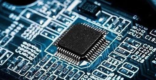 IBM 推出 2nm 微芯片,性能提高 45%