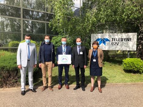 Teledyne e2v 半导体公司正为未来做准备,升级其组装和测试洁净室
